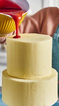 Cake Decorating Techniques, Cake Decorating Tutorials, Cake Recipes, Dessert Recipes, Desserts, Candy Birthday Cakes, Mirror Glaze Cake, Buzzfeed Tasty, Rainbow Food