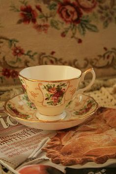 Royal Albert Rose Cameo Peach teacup