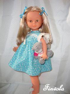 Hola, soy Isabel, la nueva nancy de Laura!! Mi mami estaba esperándome con muchas ganas! Y nada más llegar me ha regalado un osito, qué bi...