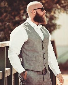Best Beard Styles: Shaved Head With Beard – 90 Beard Styles For Bald Men. - Best Beard Styles: Shaved Head With Beard – 90 Beard Styles For Bald Men. Bald Men With Beards, Bald With Beard, Great Beards, Long Beards, Long Beard Styles, Beard Styles For Men, Hair And Beard Styles, Style Hommes Chauves, Shaved Head With Beard
