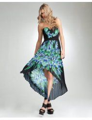 I just couldn't resist! I know it's early, but this may be one hot dress this Summer.  http://dld.bz/MaxiDress