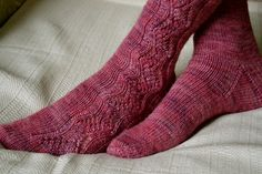 Worked from the top down, these socks feature an off-centre lace panel that gently zigzags down the outside of each ankle and foot. The stitch pattern is very easy to memorize and is given in both written and chart form. Knitting Designs, Knitting Projects, Knitting Patterns, Knitting Ideas, Crochet Needles, Knit Crochet, Sock Leggings, Bed Socks, Shoes