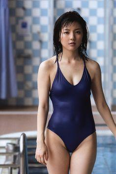 erina mano 真野恵里菜 1991 4 11