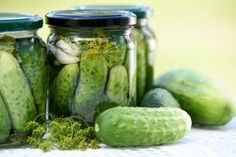 This recipe is an old school dill pickle recipe, the pickles come out full of flavor and lightly effervescent. Fermenting pickles produces a much better pickle than hot water bath canning because t… Pickle Juice Recipe, Quick Pickle Recipe, Pickle Soup, Pickles Recipe, Old Fashioned Dill Pickle Recipe, Making Dill Pickles, Homemade Pickles, Canning Pickles, Sweet Pickles