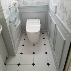 Toilet Room Decor, Small Toilet Room, Natural Interior, French Interior, Bathroom Design Small, Bathroom Interior Design, Bathroom Under Stairs, Living Room Entertainment Center, Downstairs Toilet