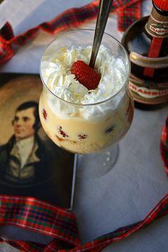 Tipsy Laird Trifle (whisky, gâteau éponge, framboise, chocolat blanc, amande, miel)
