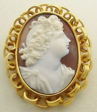 ANTIQUE HAND CARVED SHELL CAMEO HEAVY 15K GOLD BROOCH