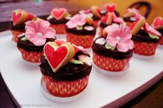 beautiful desserts | Cupcakes Take The Cake: Beautiful Mother's Day heart and flower ...