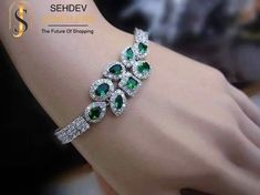 Enhance your #outfit with this #charming #emerald #bracelet