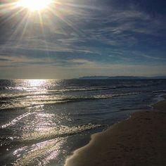 #RobertaRuiu Roberta Ruiu: Sunday Shining Sunset. — I'll say goodbye to this shining Sun & I'll welcome a romatic Moon. — #Sunset #sunday #sun #sunny #romantic #beauty #nature #colors #amazing #sky #sea #clouds #blue #fortedeimarmi #tuscany #versilia #beautiful #love #summer #tramonto