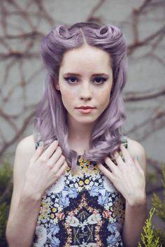 Coiffure pin up – 30 idées et tutos de style rockabilly glamour