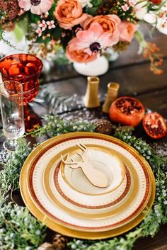 4 Beautiful Holiday Tablescapes