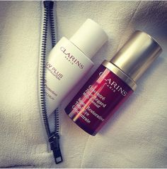 Ladies, say hello to our pocket-sized #clarins #powerhouses. Fits into your bags, purses and even your pockets, so you have your #eye-care  and #sunscreen everywhere you go.