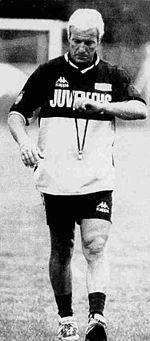 Lippi all'esordio sulla panchina della Juventus, nel 1994.