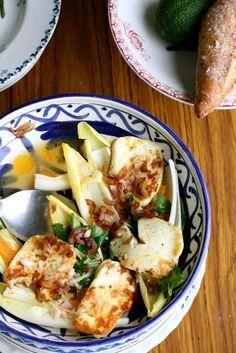 Salade van witloof, mandarijn en halloumi
