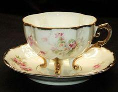 Antique 4-Feet Roses Krinkled Tea Cup & Saucer