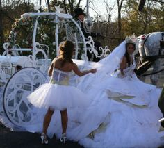 A wedding in Hagerstown Md which will be shown on TLC My Big Fat Gypsy Wedding in sring of Perfect for Jessica's Cinderella Wedding! Crazy Dresses, Puffy Dresses, Gypsy Dresses, My Big Fat Gypsy Wedding, Gipsy Wedding, Queen Wedding Dress, Wedding Bride, Wedding Gowns, Romanichal Gypsy