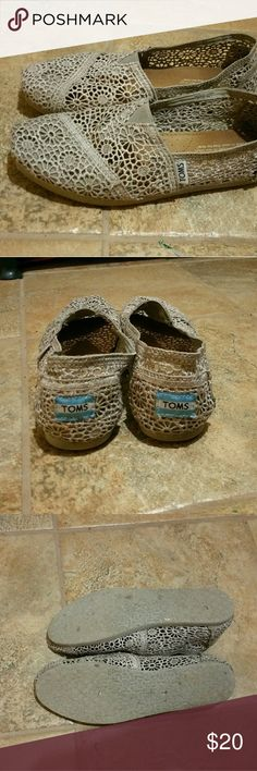Gray Lace Toms EUC TOMS Shoes Flats & Loafers