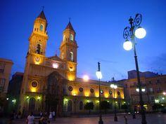 Plaza San Antonio en la hora azul (por danimero)