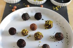 No-bake Energiekugeln aus Datteln und Haselnüssen Homemade Food, Healthy Sweets, Homemade Recipe, Homemade, Diy, Food Food
