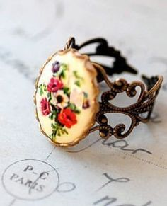Vintage Poppy Cameo Ring by Hollywoodbabe on Etsy, $16.00