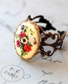 Vintage anillo camafeo de amapola flor chica por Hollywoodbabe