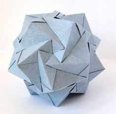 Beautiful kusudama - don't know the name
