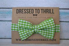 Childs Bowtie - Green & White Checkered Gingham bowtie, baby bowtie, toddler bowtie, little boy bowtie, green checkered bow tie, green plaid