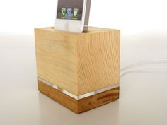 iPhone 5 Dock - iPod touch Dock - iPhone 5 Charging Station - iPod touch Charging Station - transparent collection
