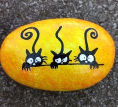 Pebble Painting, Dot Painting, Pebble Art, Stone Painting, Stone Crafts, Rock Crafts, Rock Painting Designs, Paint Designs, Pierre Decorative