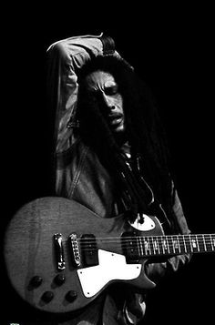 Bob Marley wish i could of felt his music live!!!