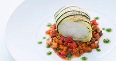 Seeteufel im Zucchinimantel auf Paprika-Gemüse