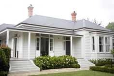 Parnell House by Skinner Design House Paint Exterior, Exterior House Colors, Exterior Design, Cottage Exterior, Style At Home, Magazine Design, House Front, My House, Weatherboard Exterior