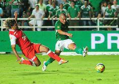 Con goles de Lizarazo y Camacho, Deportivo Cali derrotó 2-0 a Santa Fe Los azucareros y cardenales escenificaron el clásico de la sexta jornada de la Liga Postobón II. En la próxima fecha, el Cali visita a Nacional el jueves 29 de agosto -8:10 p.m.- en Medellín, con señal de Win Sports.