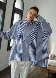 Stripes Fashion, Fashion Prints, Fashion Details, Love Fashion, Fashion Design, Deconstruction Fashion, Fast Fashion, Womens Fashion, Young Fashion
