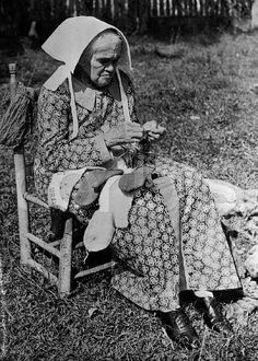 early 20th century, Tennessee --- Violet Walling Knitting Mittens --- Image by ? CORBIS