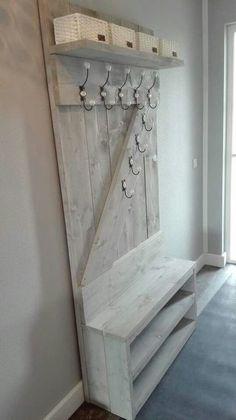 Garderobe - Garderobe - in 2020 Wooden Pallet Projects, Diy Pallet Furniture, Fancy Kitchens, Hallway Furniture, Hallway Decorating, Diy Home Improvement, Home Projects, Wood Crafts, Diy Home Decor