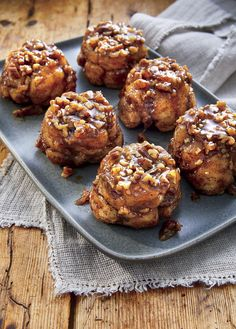 monkey bread with canned biscuits ; monkey bread with canned biscuits easy ; monkey bread with cinnamon rolls ; Best Thanksgiving Recipes, Thanksgiving Menu, Make Ahead Breakfast, Breakfast Recipes, Sweet Breakfast, Breakfast Muffins, Breakfast Casserole, Breakfast Ideas, Dinner Recipes