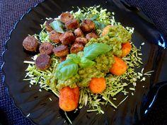 Home made Humous met aardappel kroketjes  en stukjes gekruiden frikandel. Made by Elisabetty Ploos van Amstel.