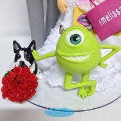 #mikewasowski #noivinhosbiscuit ❤ #noivinhospersonalizados ❤ #caraarteembiscuit #cachorro 🐶 #weddingday #topodebolo #topodebolopersonalizado #caketopper #melissa #compras #wedding #monstrossa #biscuit #detalhes #weddinginvitation #weddingcake #casamento #noivinhosdiferentes #weddings #weddingcaketopper #topodebolocasamento #enfeitedebolodebiscuit #biscuit #casar 😍 Orçamentos: caraarteembiscuit@yahoo.com.br, ou envie uma mensagem inbox na página https://facebook.com/caraarteembiscuit