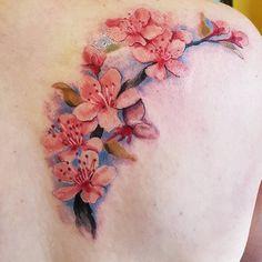 Pin de kristin six en ink apple blossom tattoos, cherry blos Flower Tattoo Back, Flower Tattoo Designs, Back Tattoo, Flower Tattoos, Watercolor Tattoo Shoulder, Shoulder Tattoo, Cover Up Tattoos, Body Art Tattoos, Apple Blossom Tattoos