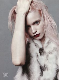 Abbey Lee Kershaw…with pink hair….I'm dying…in the July issue of Vogue China, photographed by Daniel Jackson Abbey Lee Kershaw, Pale Pink Hair, Pastel Hair, Pastel Pink, Hannah Murray, Grunge, Daniel Jackson, Candy Hair, Vogue China