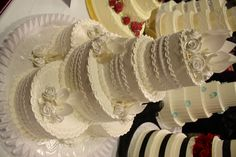 This elegant beauty took third place at our 2012 John S. Knight center show! Cake by: http://www.acmestores.com/acme-fresh-market-cakes/