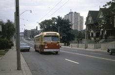 TTC TORONTO  MARMON  HERRINGTON  TROLLEY  COACH  ON 89 Weston Rd.