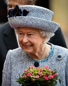 Queen Elizabeth, November 26, 2015 in Angela Kelly | Royal Hats