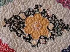 Detail, Antique Hand Stitched Grandmother's Flower Garden Quilt Feedsacks Beautiful | eBay, dylansgammy Old Quilts, Antique Quilts, Vintage Quilts, Traditional Quilt Patterns, Quilt In A Day, Hexagon Quilt, Sewing Kit, English Paper Piecing, Hand Quilting