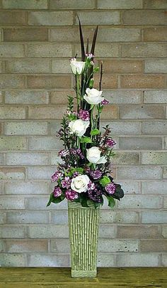 Garden Club Journal   vertical floral design  flower arrangement  gardenclubjournal.blogspot.com