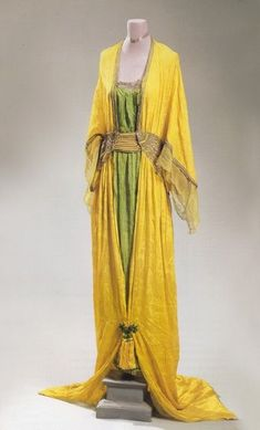 Poiret Oriental gown, Spring 1913. Sold at the Doyle couture auction, November 1999