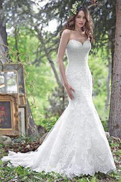 Maggie Sottero – Spring 2016 – Cadence