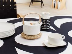 White Oiva Teapot by Marimekko Marimekko, Black And White Design, Black White, Scandinavian Home, Living Furniture, Diy On A Budget, Living Room Inspiration, Home Collections, Home And Living